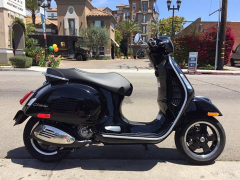 2019 Vespa GTS 300 SUPER in Marina Del Rey, California