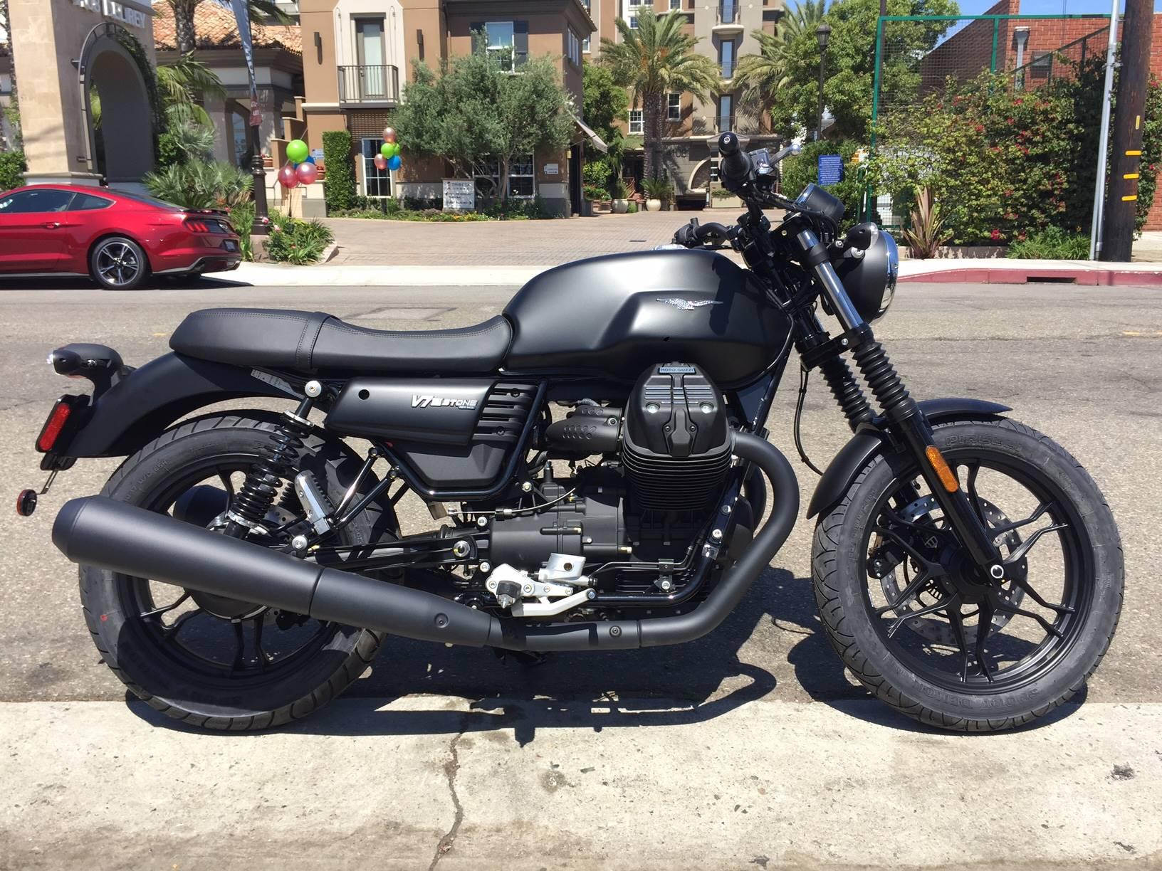 2018 moto guzzi v7 iii stone motorcycles marina del rey california. Black Bedroom Furniture Sets. Home Design Ideas