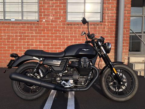 2018 Moto Guzzi V7 III Stone in Marina Del Rey, California - Photo 1