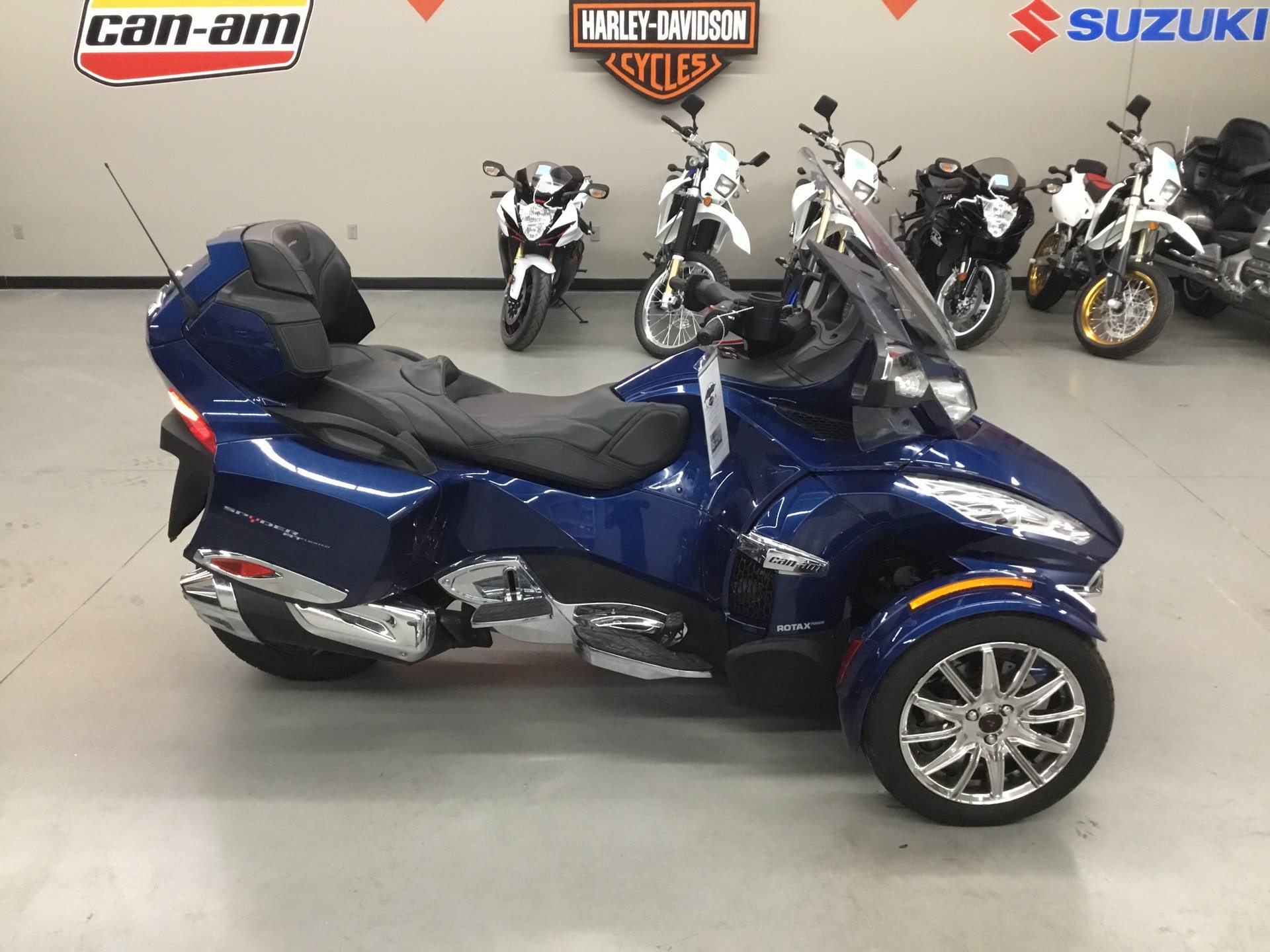 2016 Can-Am Spyder RT Limited in Cedar Rapids, Iowa - Photo 1
