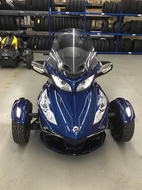 2016 Can-Am Spyder RT Limited in Cedar Rapids, Iowa - Photo 2