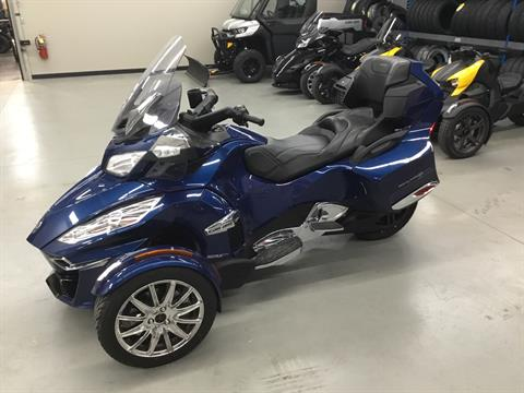 2016 Can-Am Spyder RT Limited in Cedar Rapids, Iowa - Photo 3