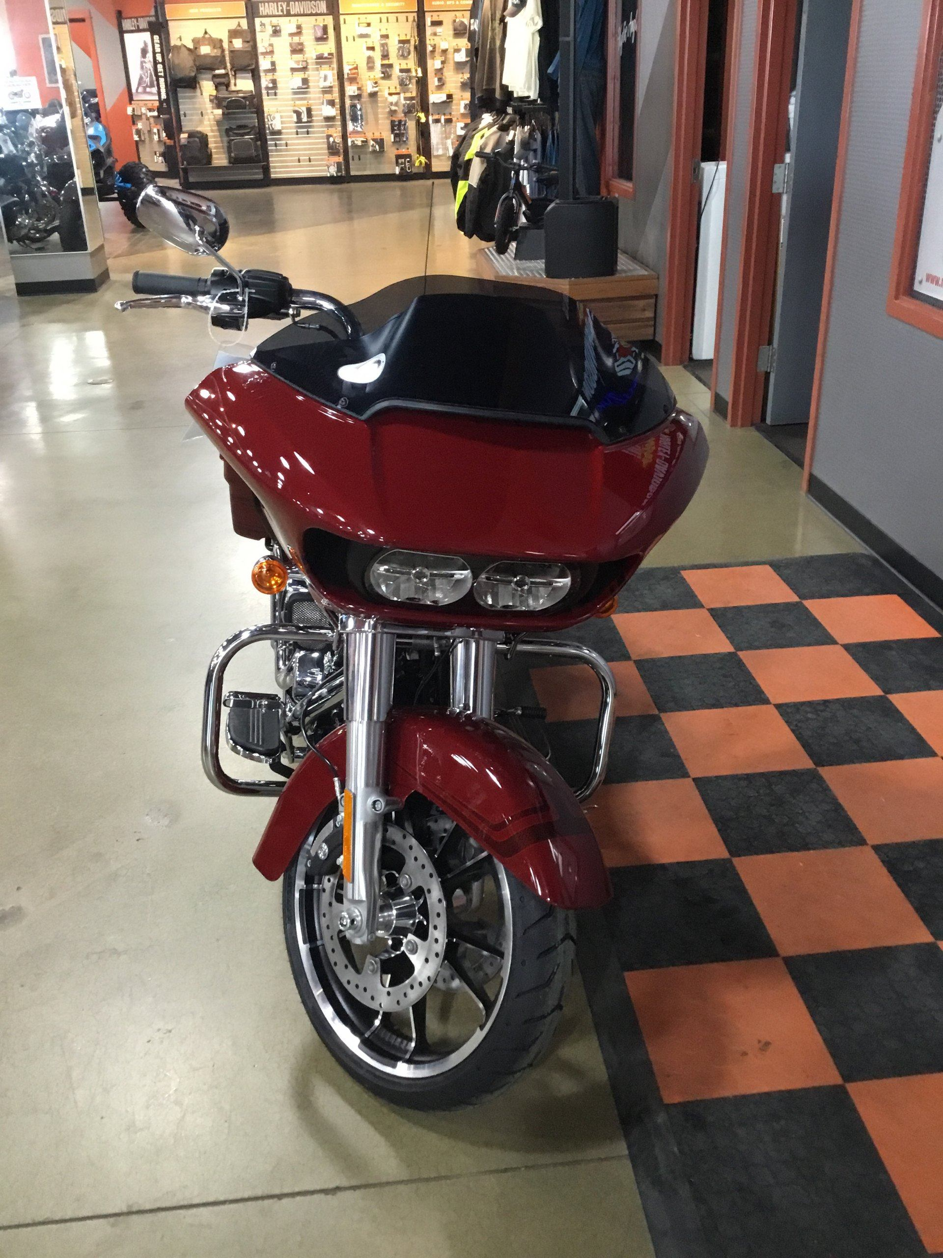2020 Harley-Davidson Road Glide® in Cedar Rapids, Iowa - Photo 2