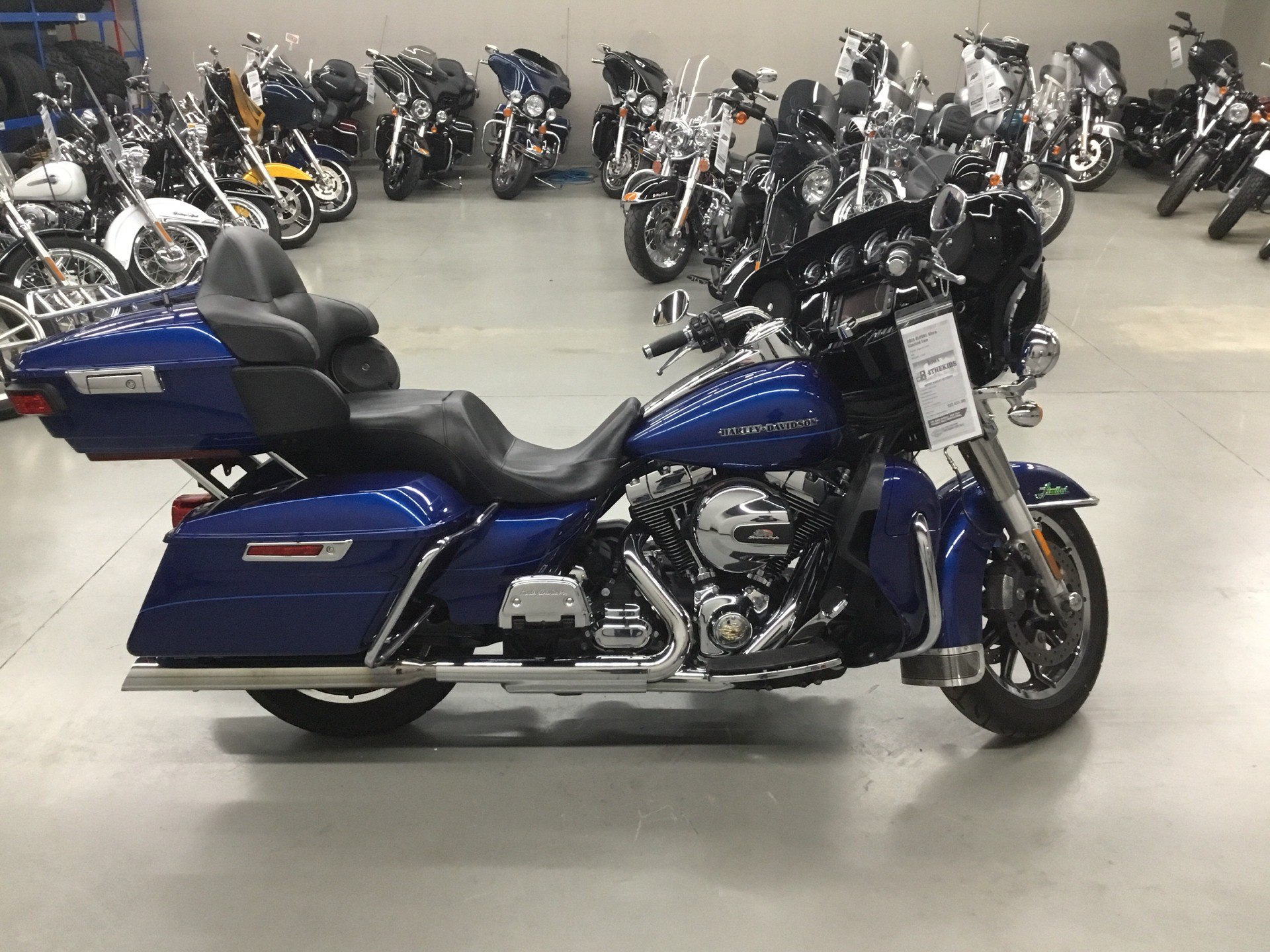 2015 Harley-Davidson Ultra Limited Low in Cedar Rapids, Iowa - Photo 1