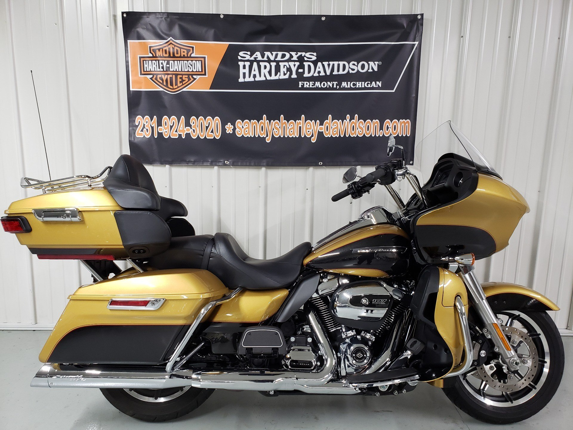 2017 Road Glide Ultra >> 2017 Harley Davidson Road Glide Ultra In Fremont Michigan