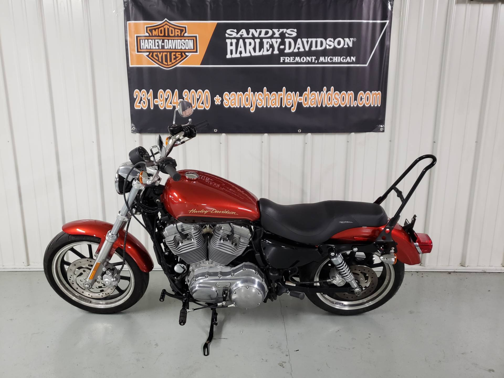 2013 Harley-Davidson Sportster® 883 SuperLow® in Fremont, Michigan - Photo 2