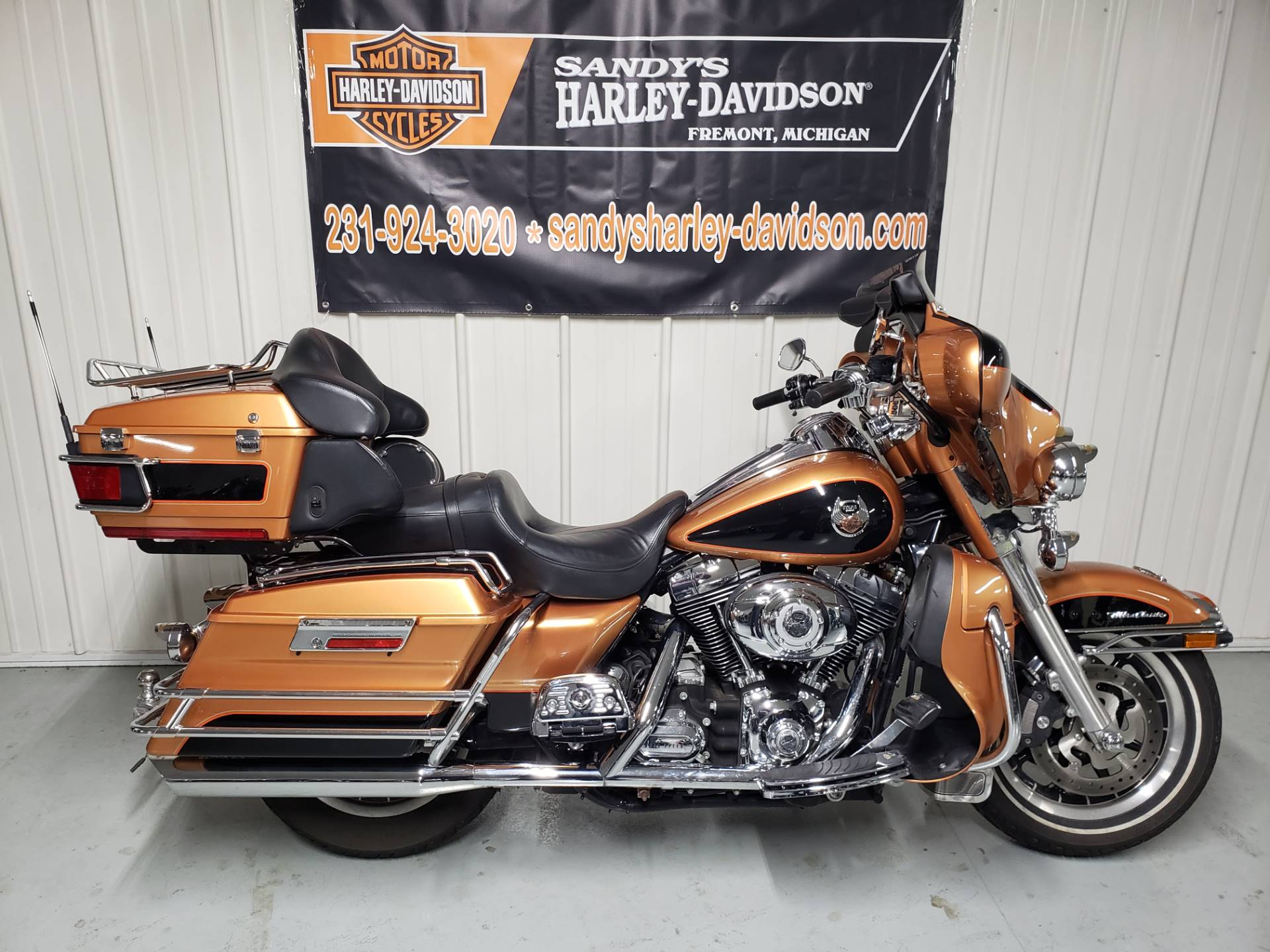 2008 Harley-Davidson Ultra Classic® Electra Glide® in Fremont, Michigan - Photo 1