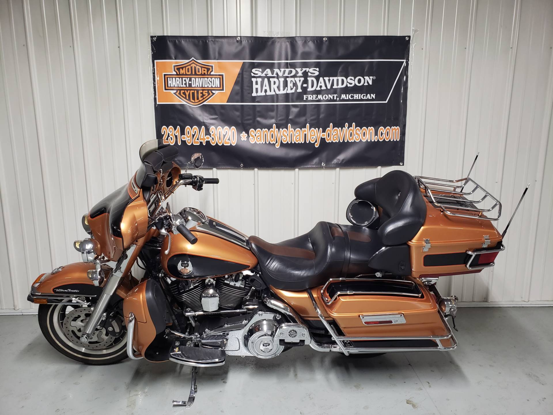 2008 Harley-Davidson Ultra Classic® Electra Glide® in Fremont, Michigan - Photo 6