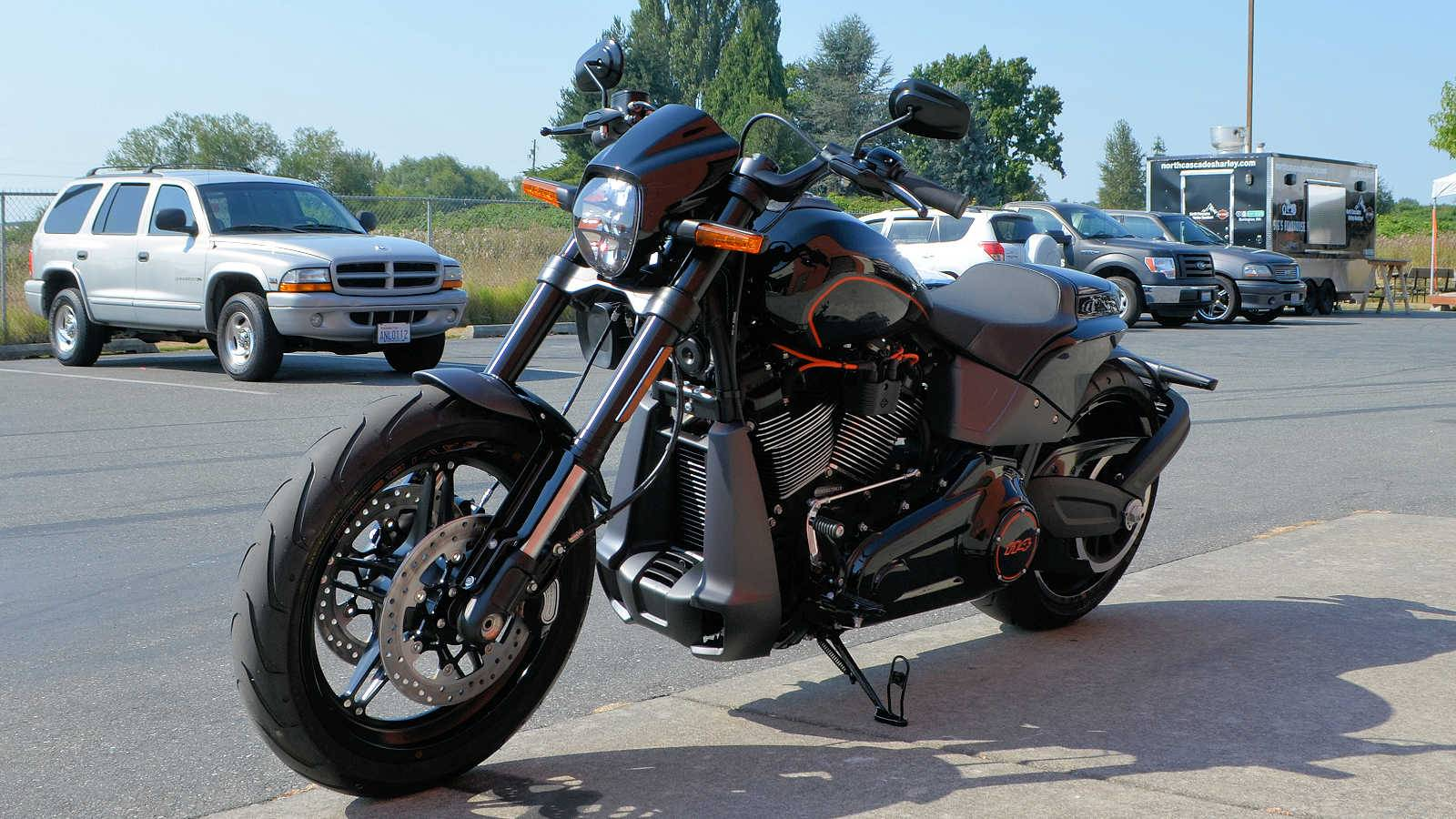 2019 Harley-Davidson FXDR™ 114 in Burlington, Washington - Photo 6