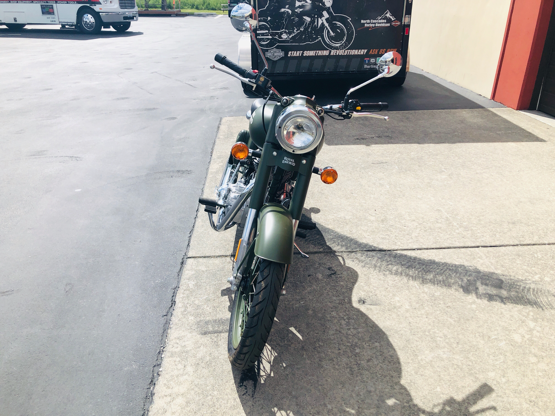 2019 Royal Enfield Classic Military ABS in Burlington, Washington - Photo 5