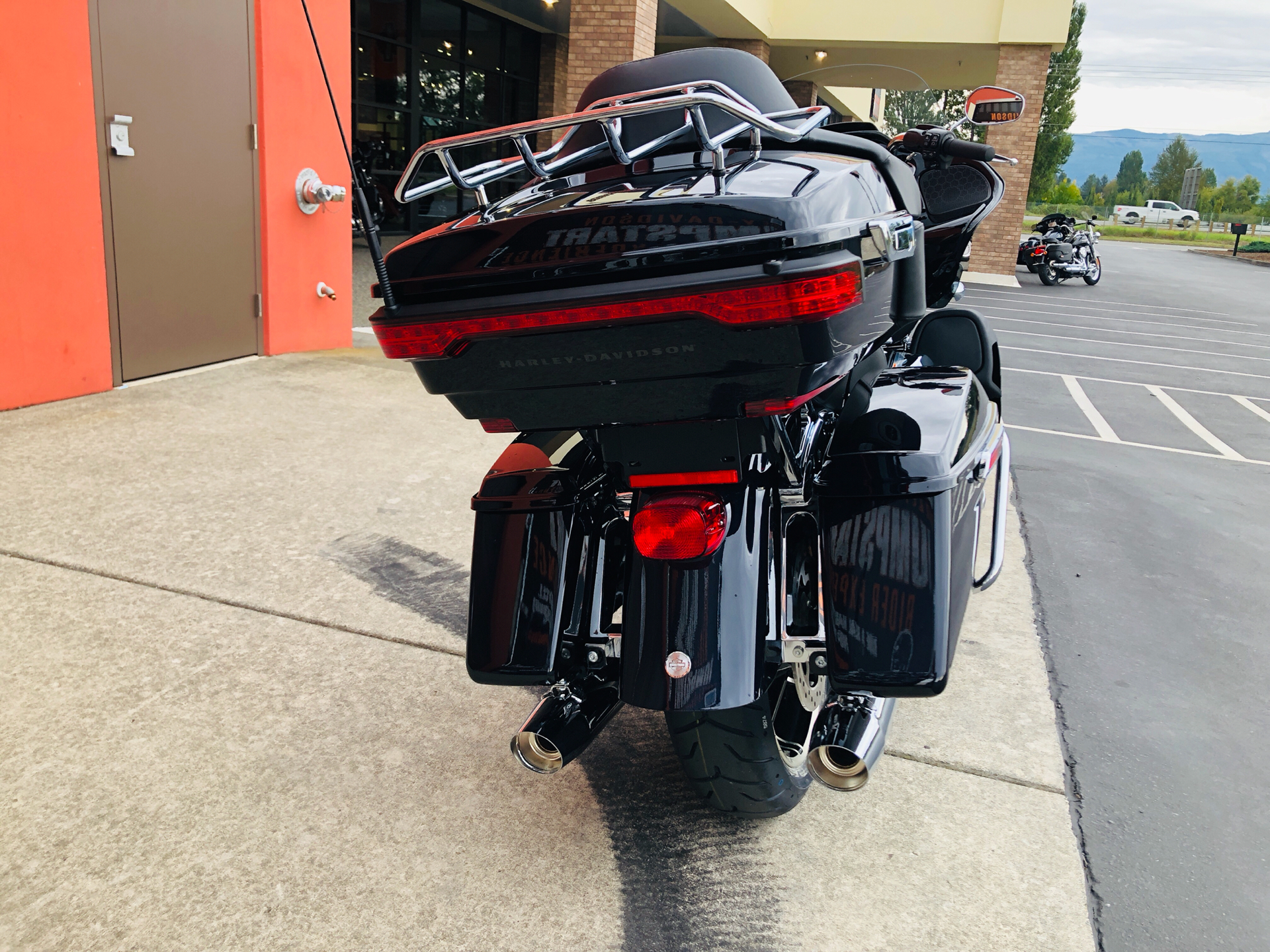2020 Harley-Davidson Road Glide® Limited in Burlington, Washington - Photo 8