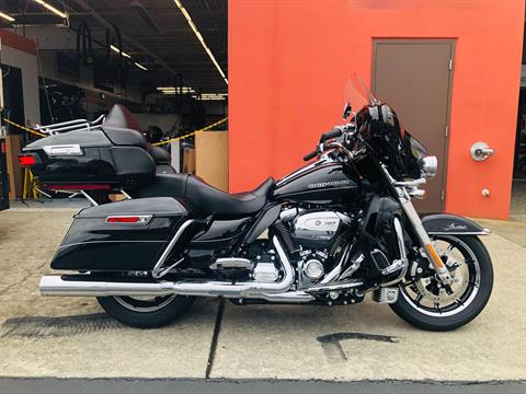 2017 Harley-Davidson Ultra Limited in Burlington, Washington - Photo 1