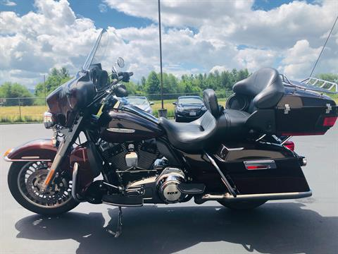2011 Harley-Davidson Electra Glide® Ultra Limited in Burlington, Washington - Photo 6