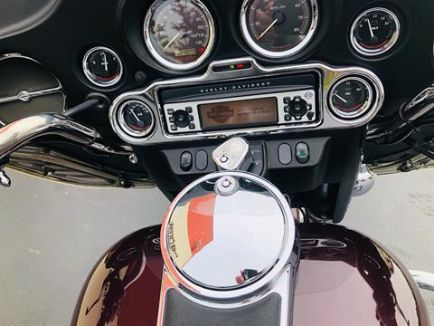 2006 Harley-Davidson Electra Glide® Classic in Burlington, Washington - Photo 10