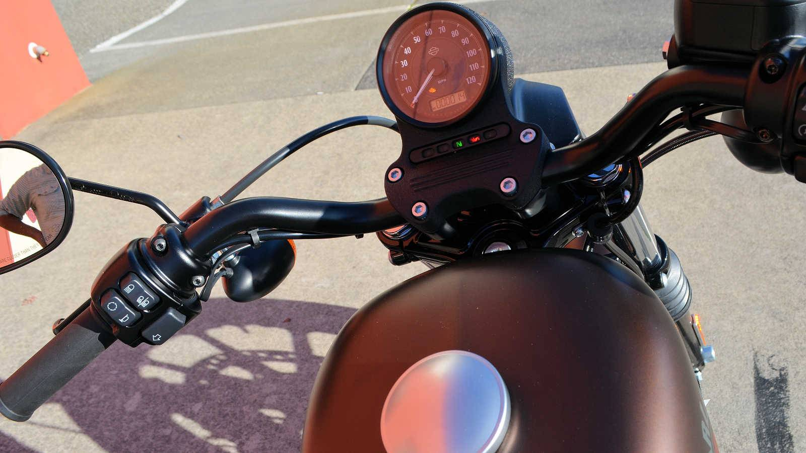 2019 Harley-Davidson Iron 883™ in Burlington, Washington - Photo 10