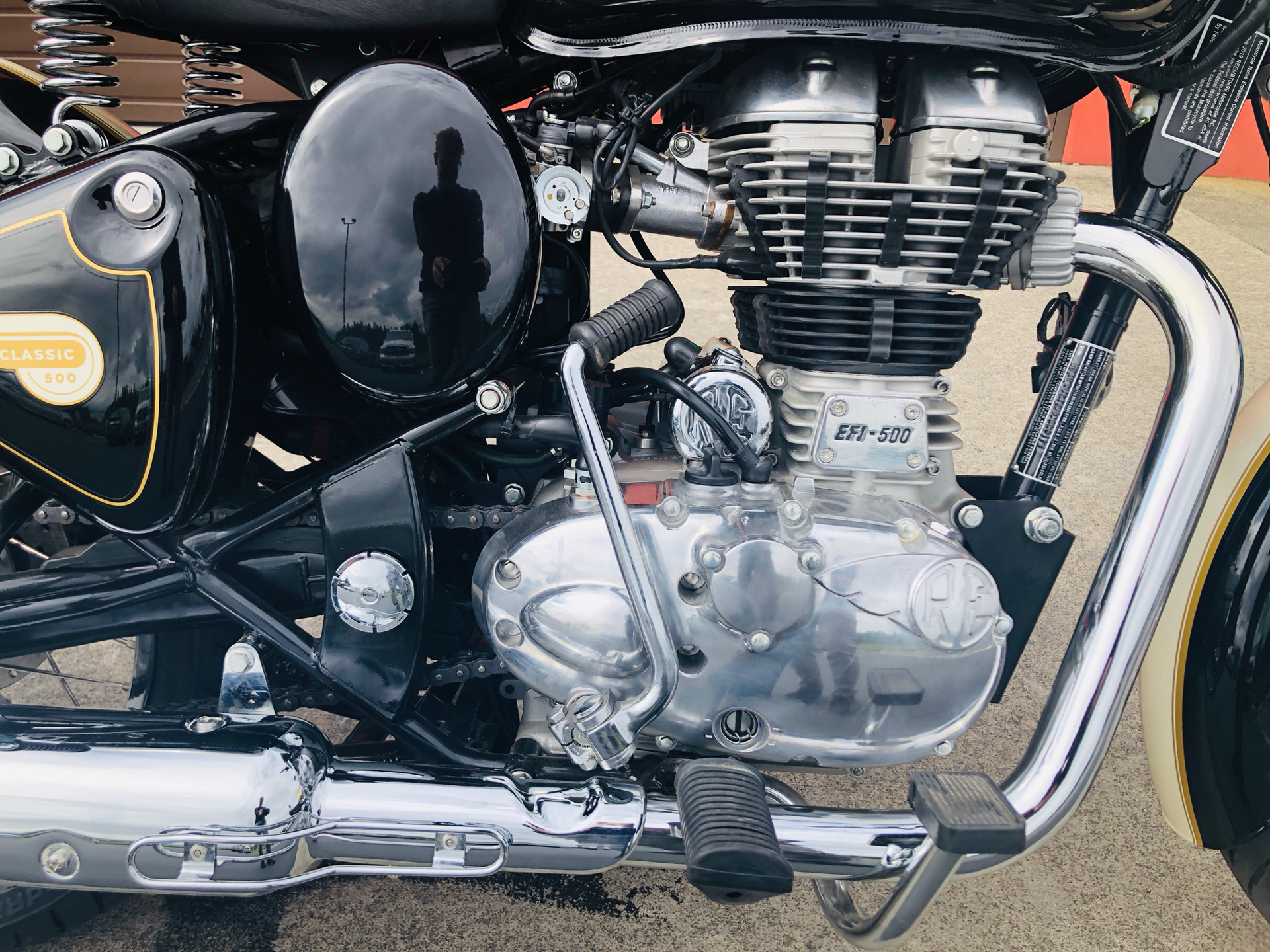 2019 Royal Enfield Classic 500 ABS in Burlington, Washington - Photo 3