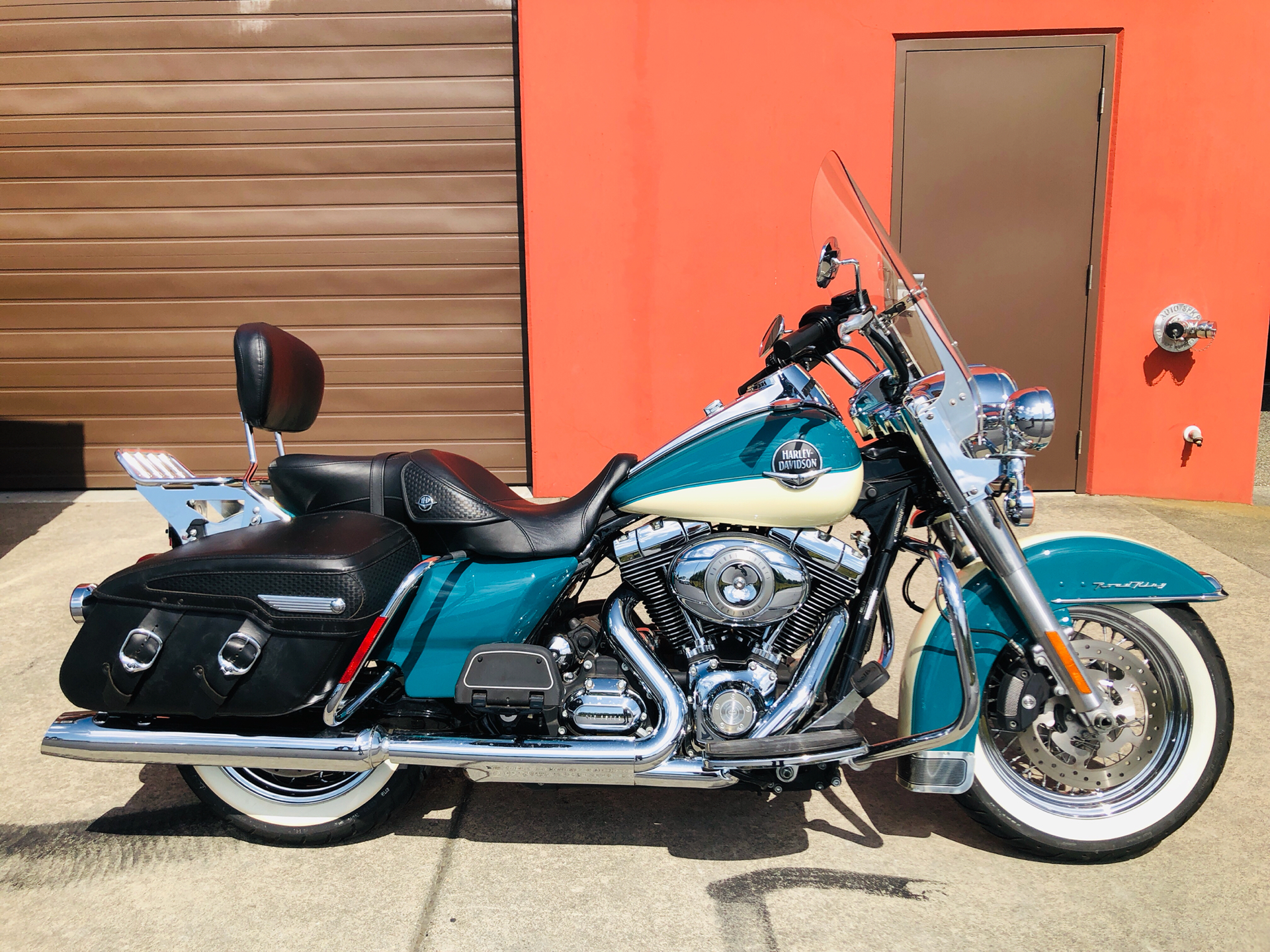 2009 Harley-Davidson Road King® Classic in Burlington, Washington - Photo 1