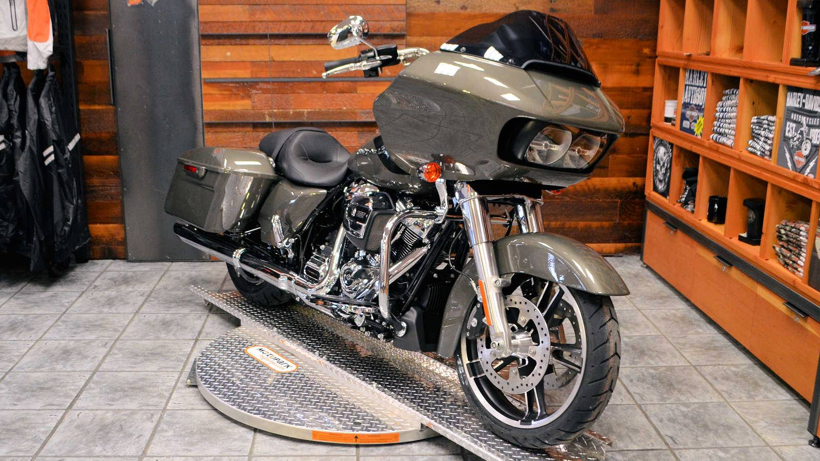 2019 Harley-Davidson Road Glide® in Burlington, Washington - Photo 4