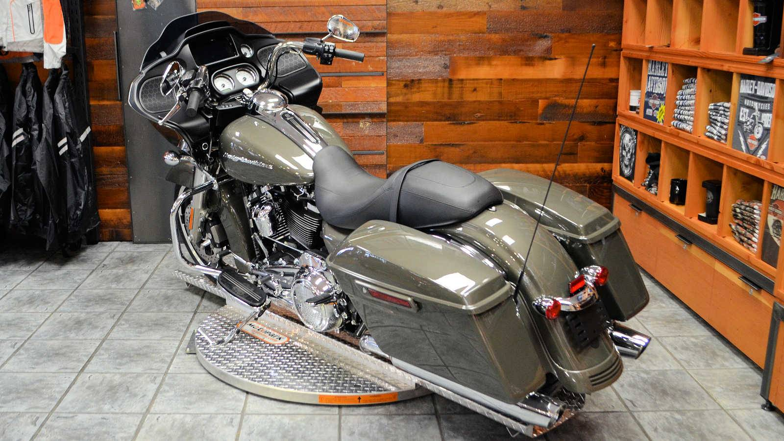 2019 Harley-Davidson Road Glide® in Burlington, Washington - Photo 8