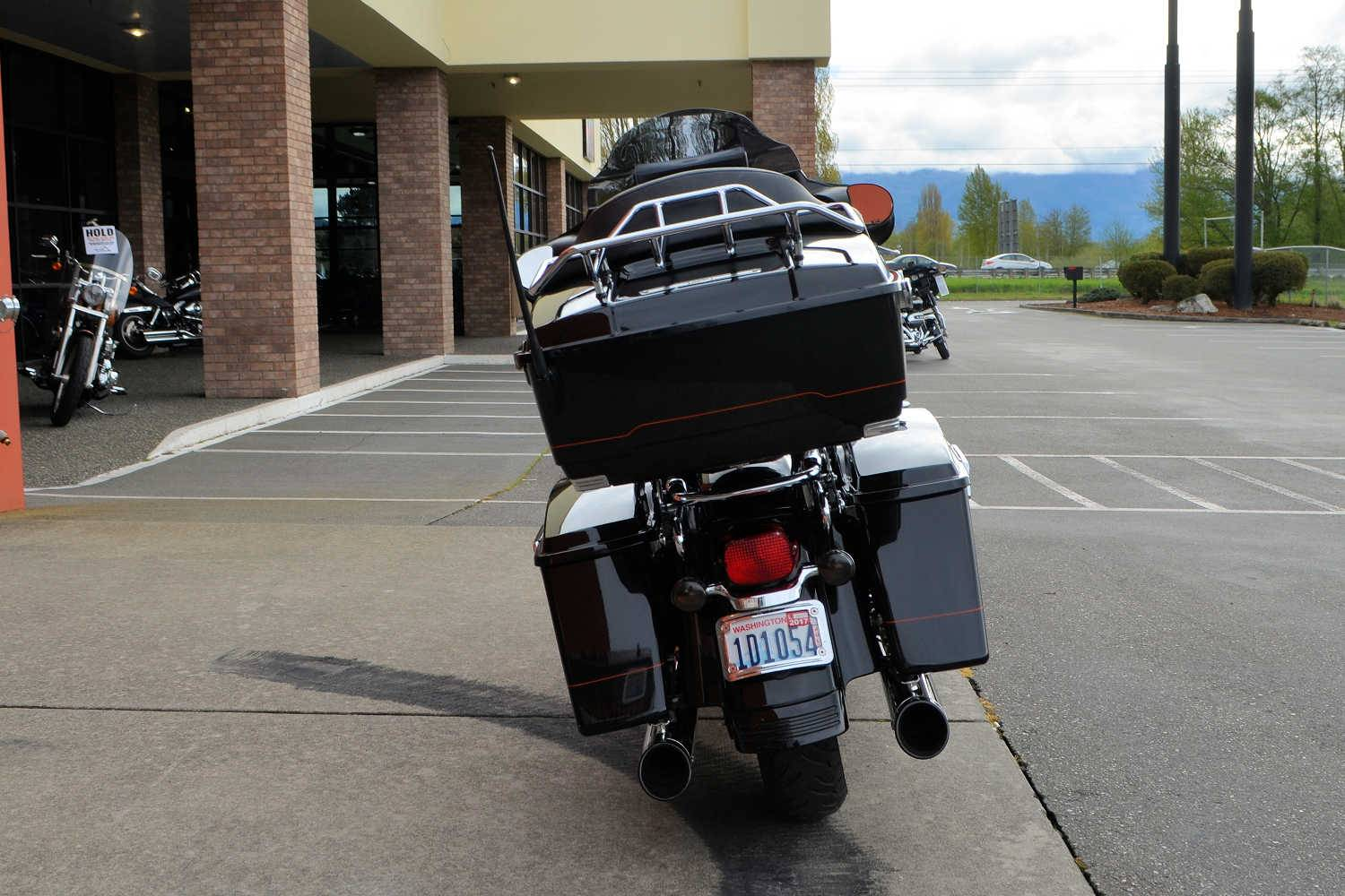 2007 Harley-Davidson Street Glide™ in Burlington, Washington - Photo 9