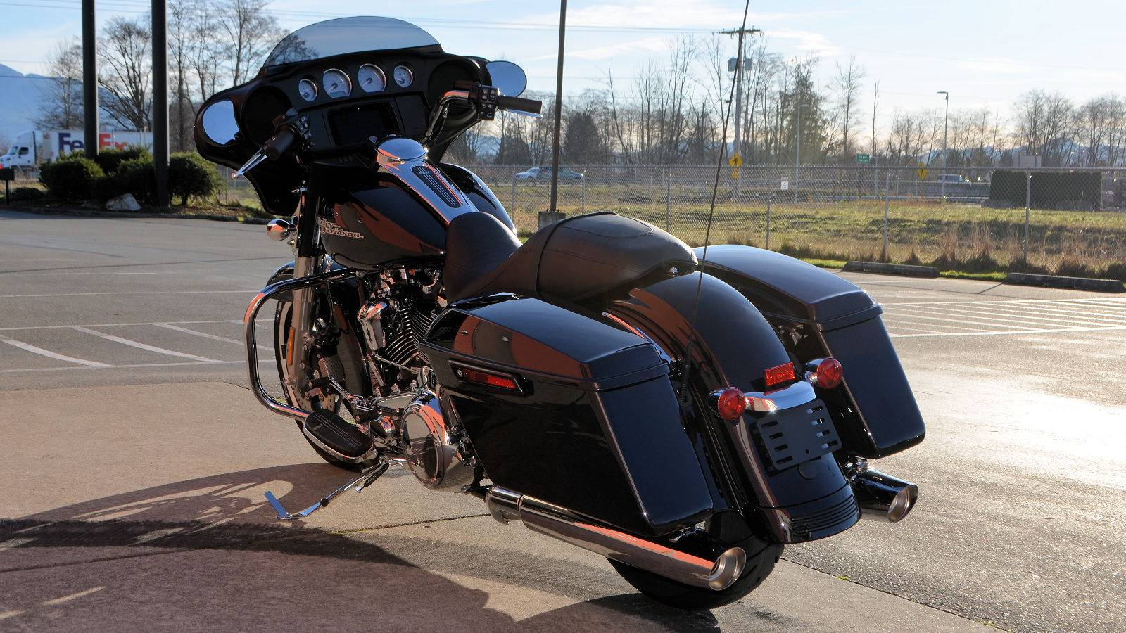 2019 Harley-Davidson Street Glide® in Burlington, Washington - Photo 7