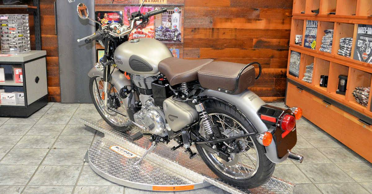2018 Royal Enfield Classic Military ABS in Burlington, Washington - Photo 8