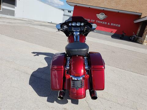 2016 Harley-Davidson Street Glide® Special in Fort Myers, Florida - Photo 7