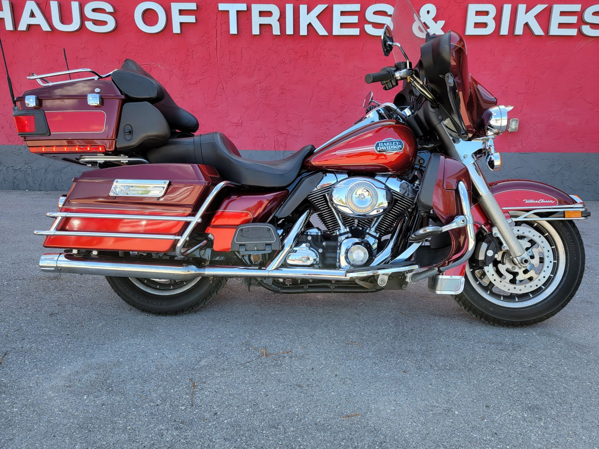 2008 Harley-Davidson Ultra Classic® Electra Glide® in Fort Myers, Florida - Photo 2
