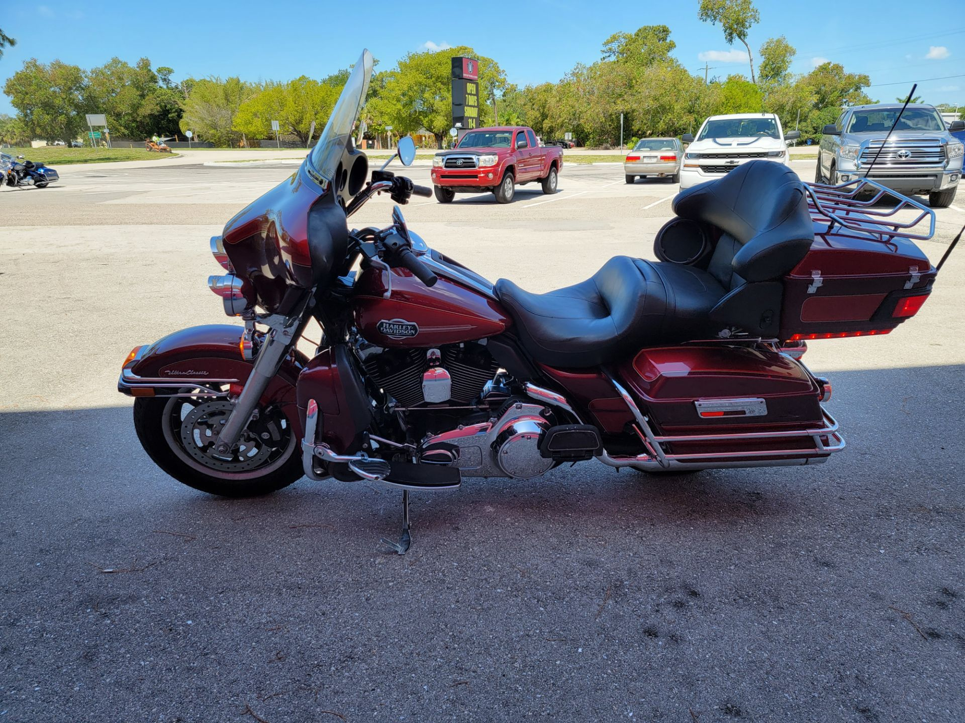 2008 Harley-Davidson Ultra Classic® Electra Glide® in Fort Myers, Florida - Photo 4
