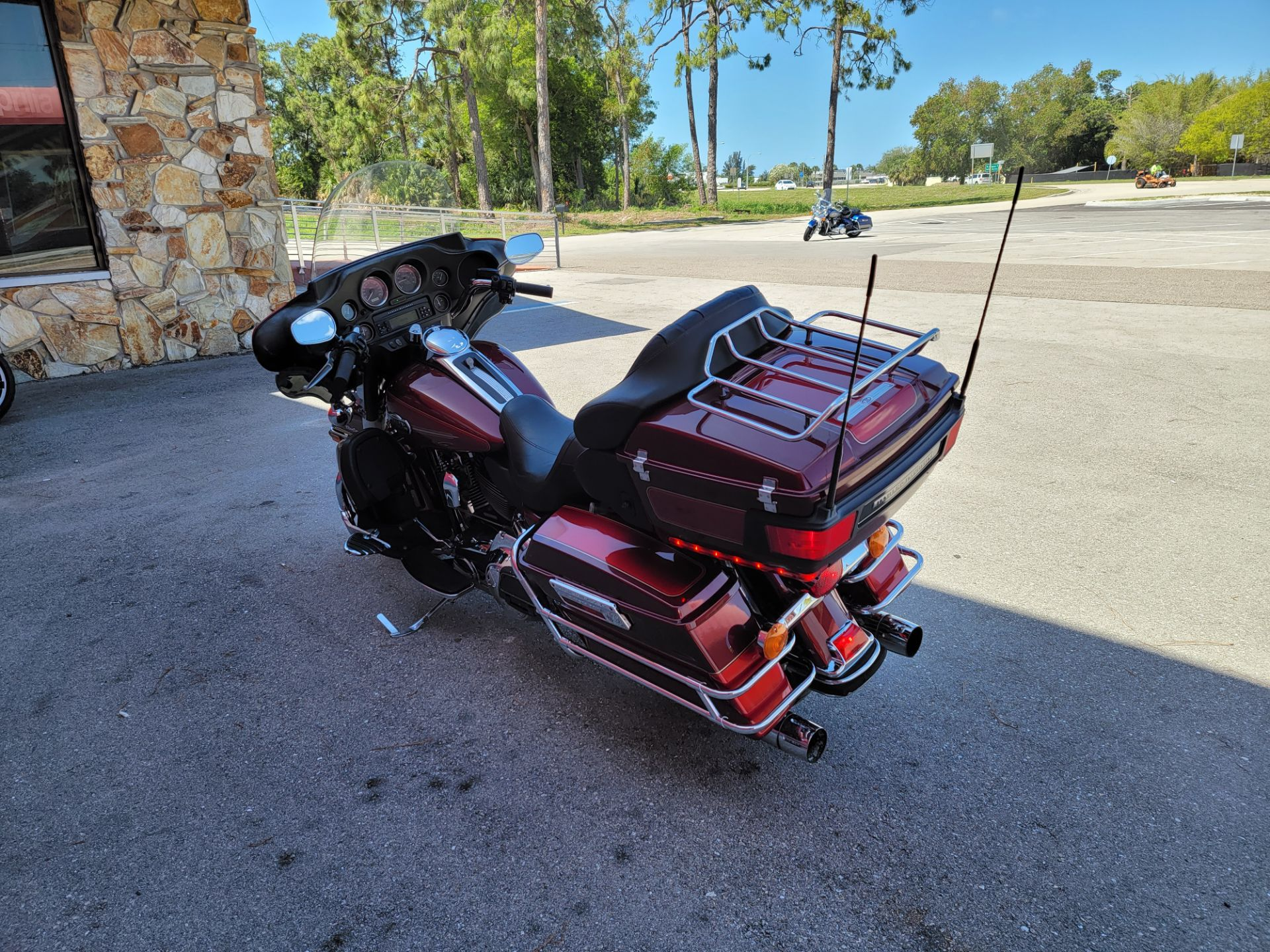 2008 Harley-Davidson Ultra Classic® Electra Glide® in Fort Myers, Florida - Photo 5