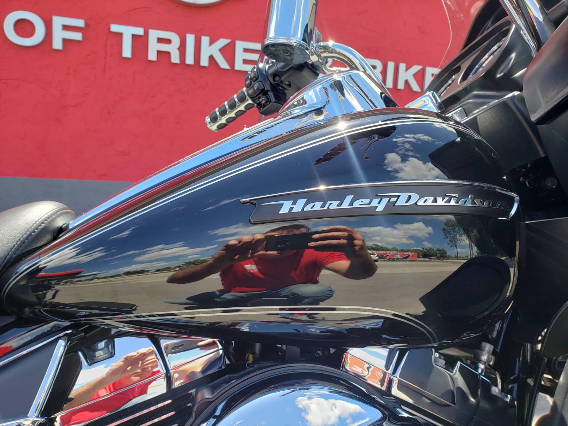 2016 Harley-Davidson Road Glide® Ultra in Fort Myers, Florida - Photo 6