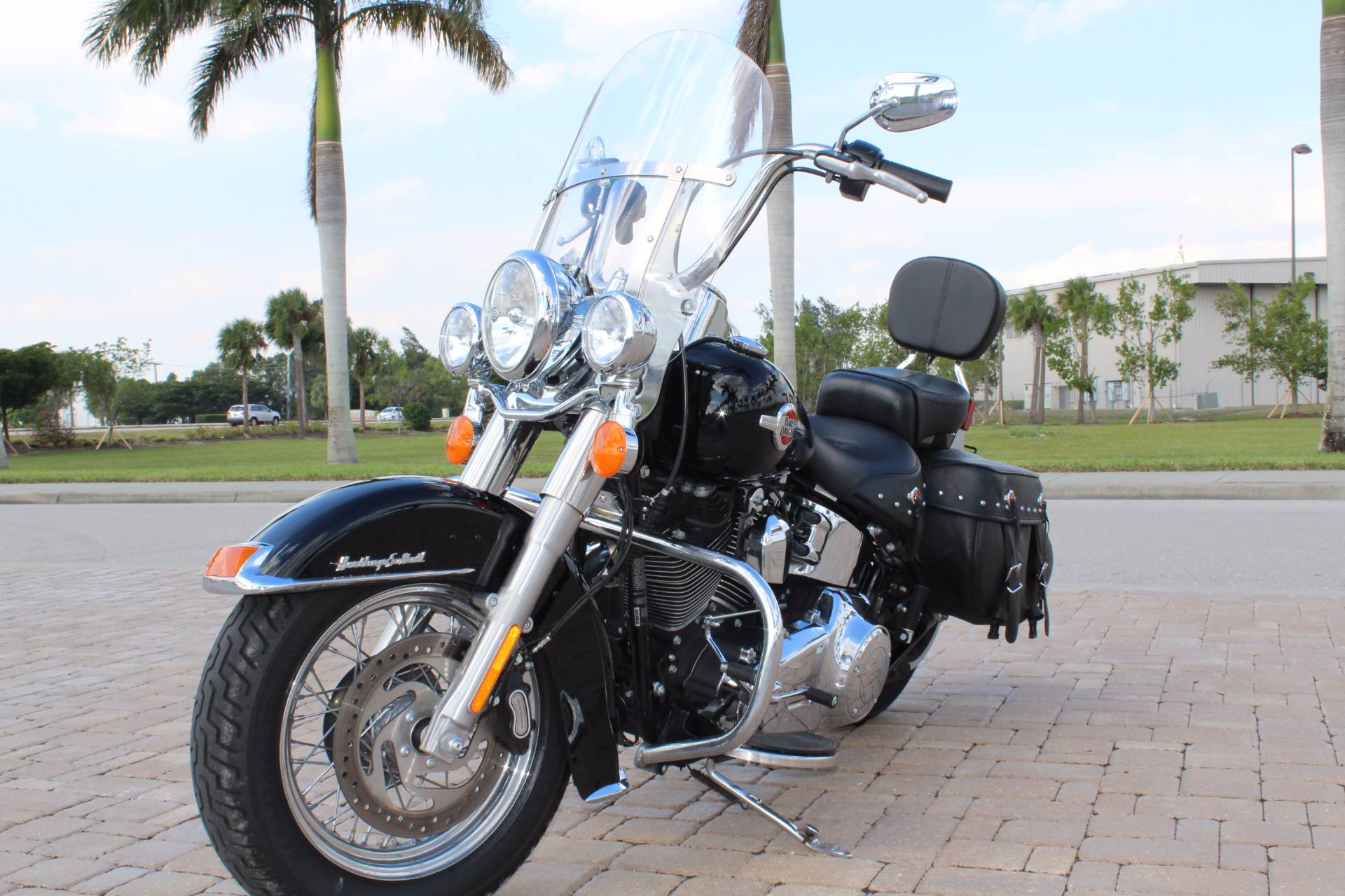 2017 Harley-Davidson Heritage Softail® Classic in Fort Myers, Florida - Photo 4