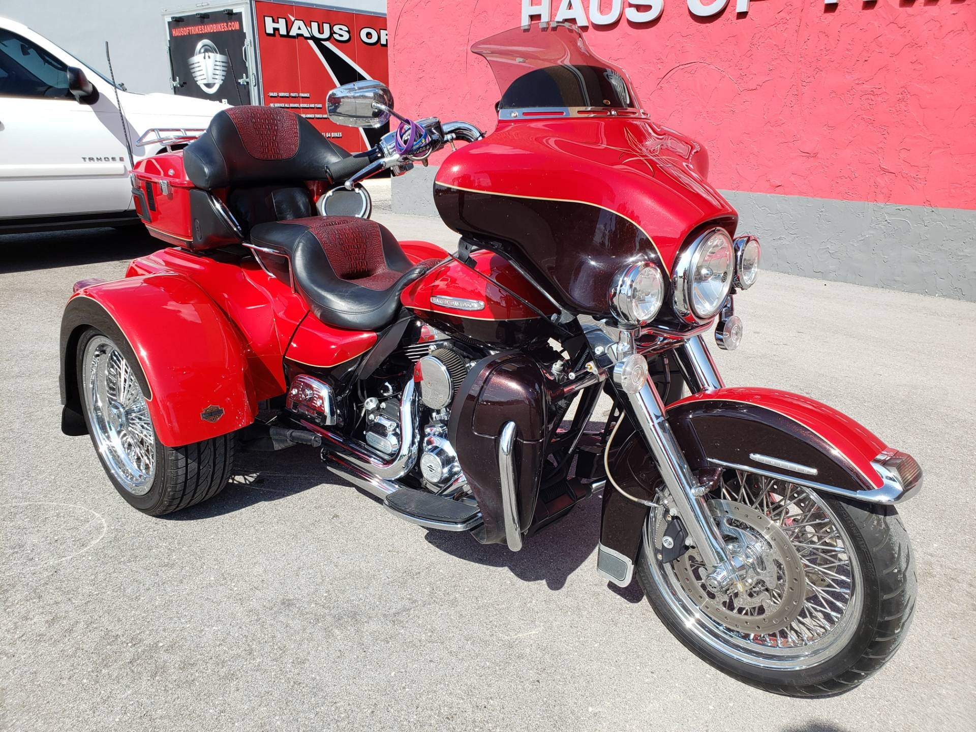 2011 Harley-Davidson ULTRA CLASSIC LIMITED in Fort Myers, Florida - Photo 2