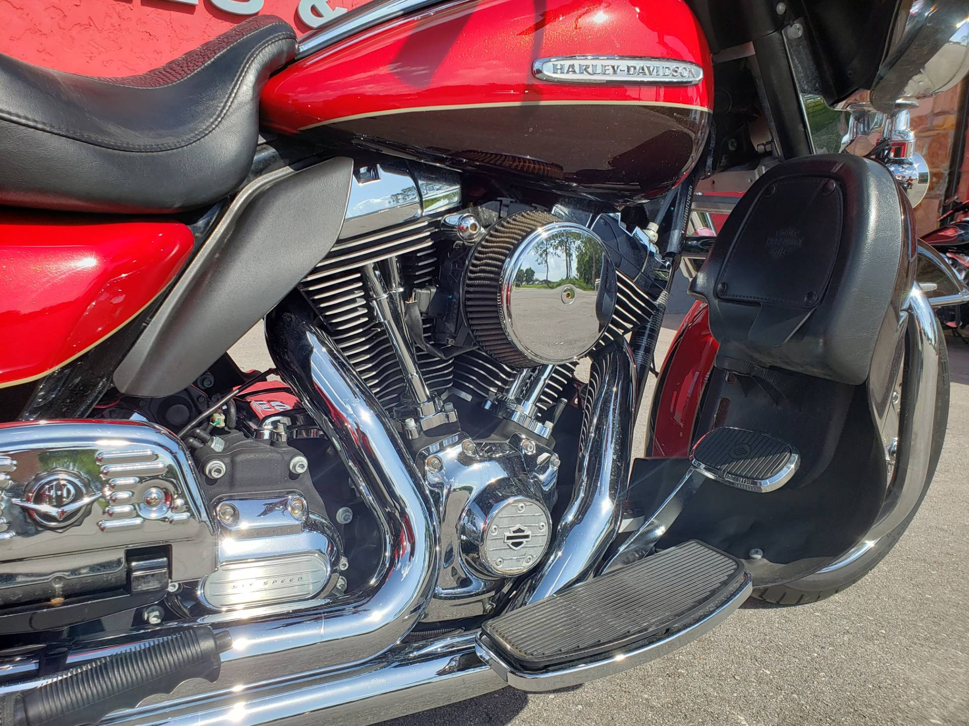 2011 Harley-Davidson ULTRA CLASSIC LIMITED in Fort Myers, Florida - Photo 8