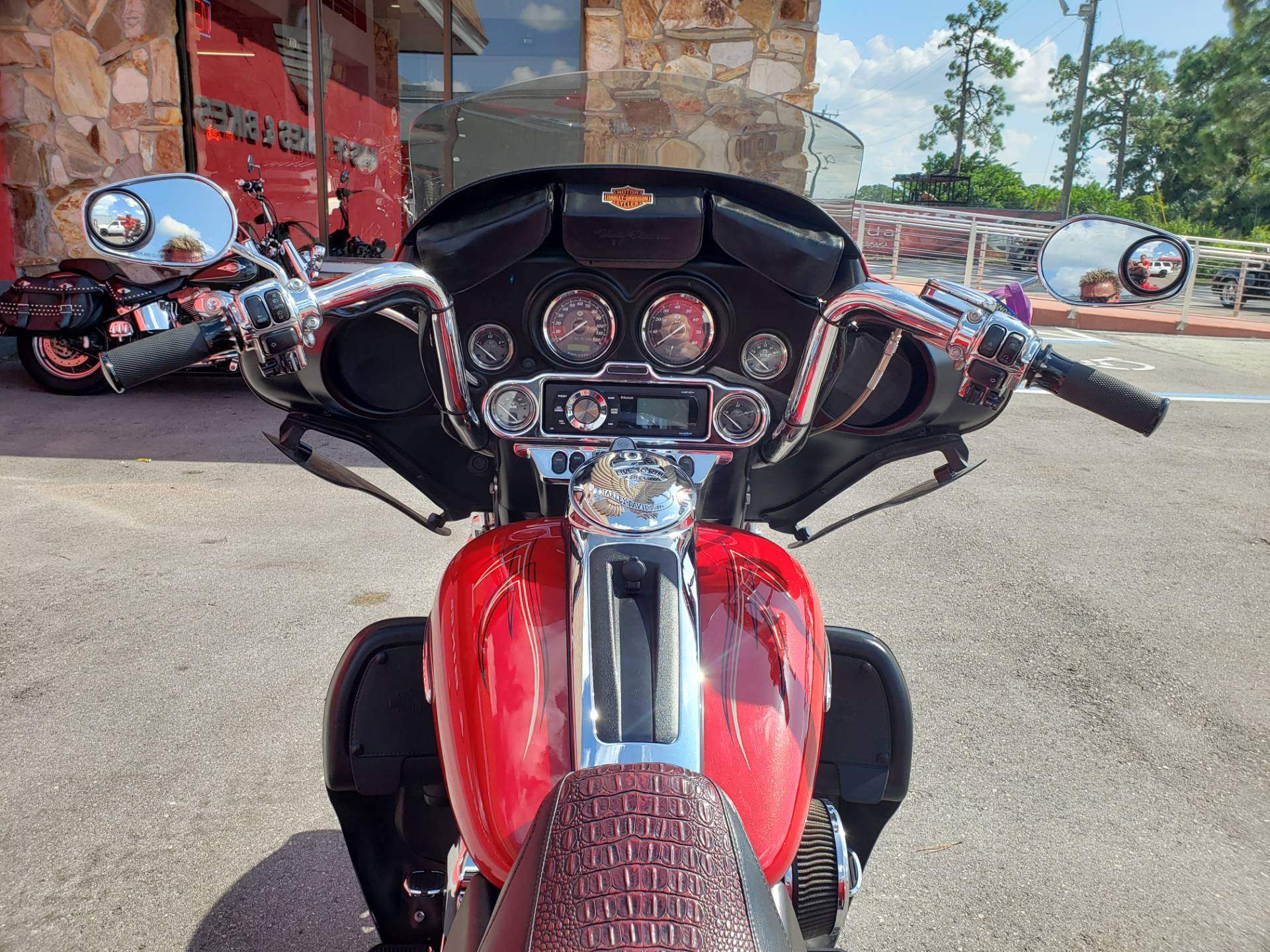 2011 Harley-Davidson ULTRA CLASSIC LIMITED in Fort Myers, Florida - Photo 13