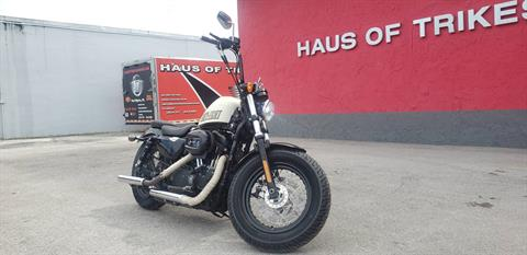 2014 Harley-Davidson Sportster® Forty-Eight® in Fort Myers, Florida - Photo 2