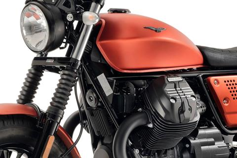 2020 Moto Guzzi V9 Bobber in Fort Myers, Florida - Photo 6
