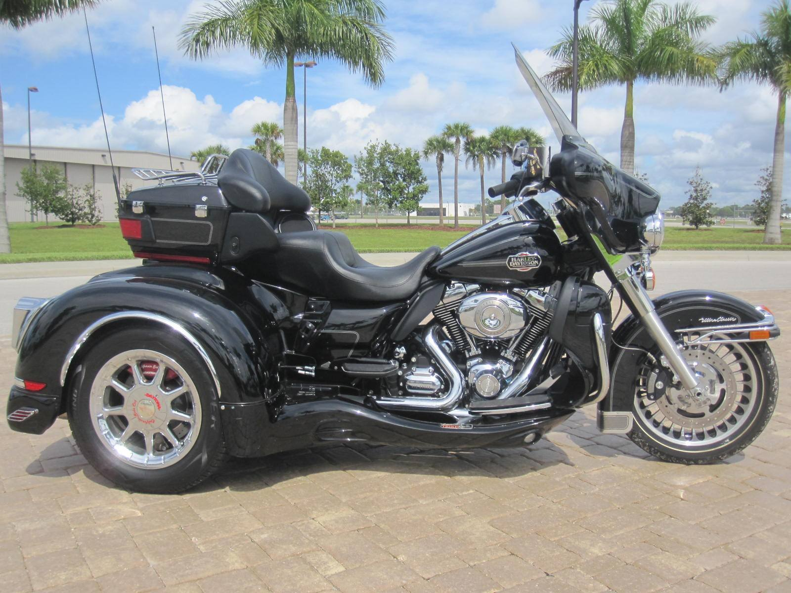 2010 Harley-Davidson California Sidecar in Fort Myers, Florida - Photo 1
