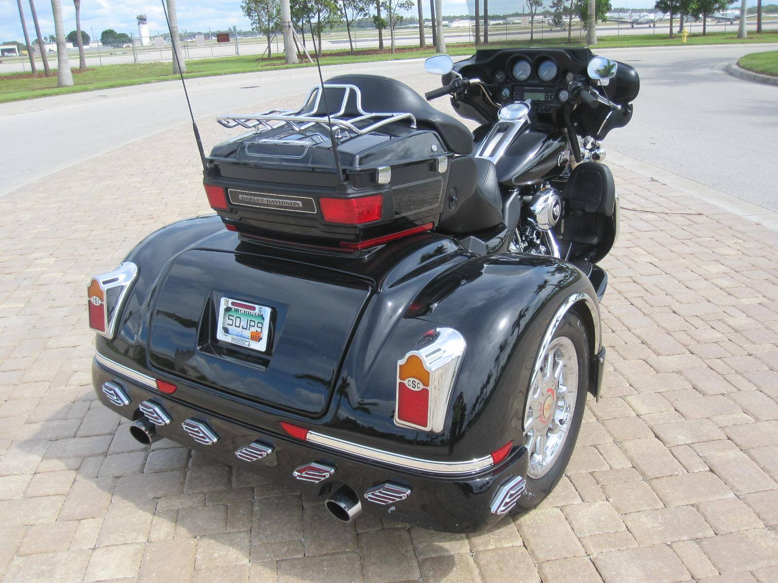 2010 Harley-Davidson California Sidecar in Fort Myers, Florida - Photo 10