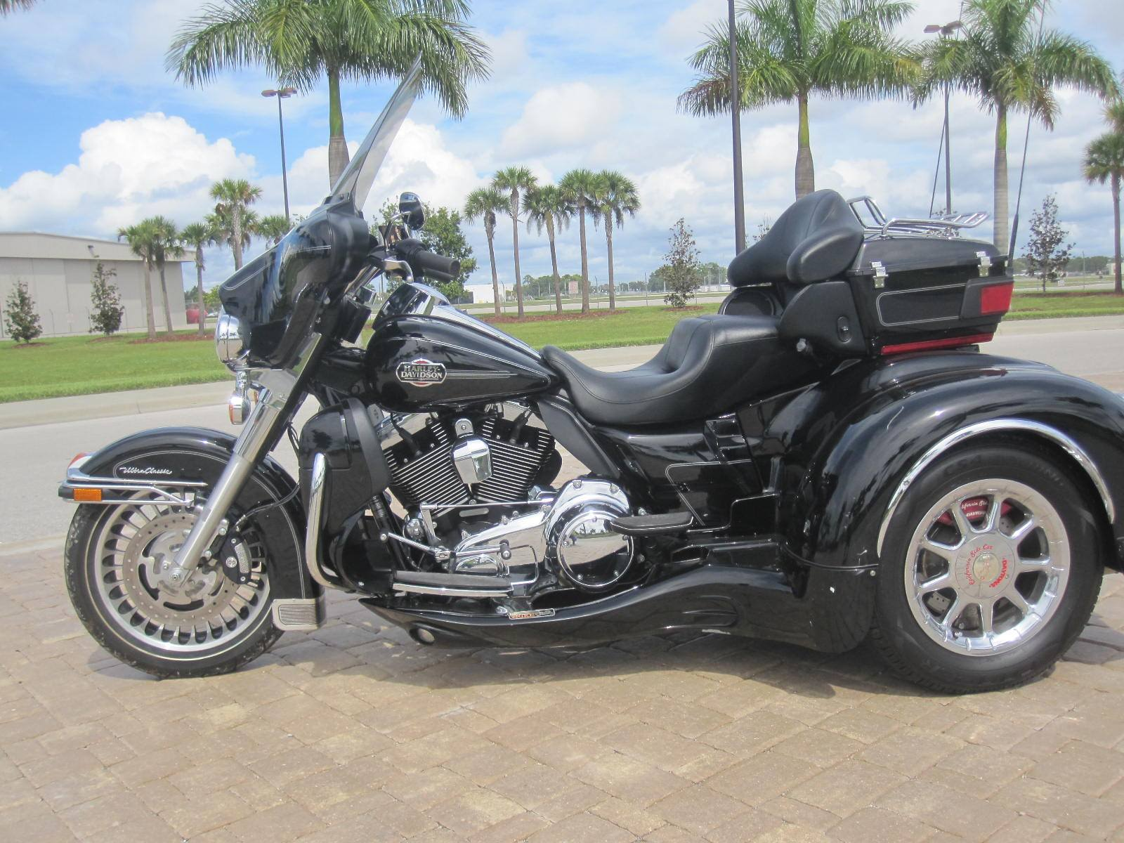2010 Harley-Davidson California Sidecar in Fort Myers, Florida - Photo 15
