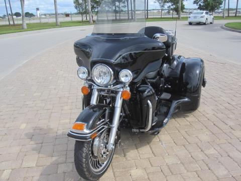 2010 Harley-Davidson California Sidecar in Fort Myers, Florida - Photo 16