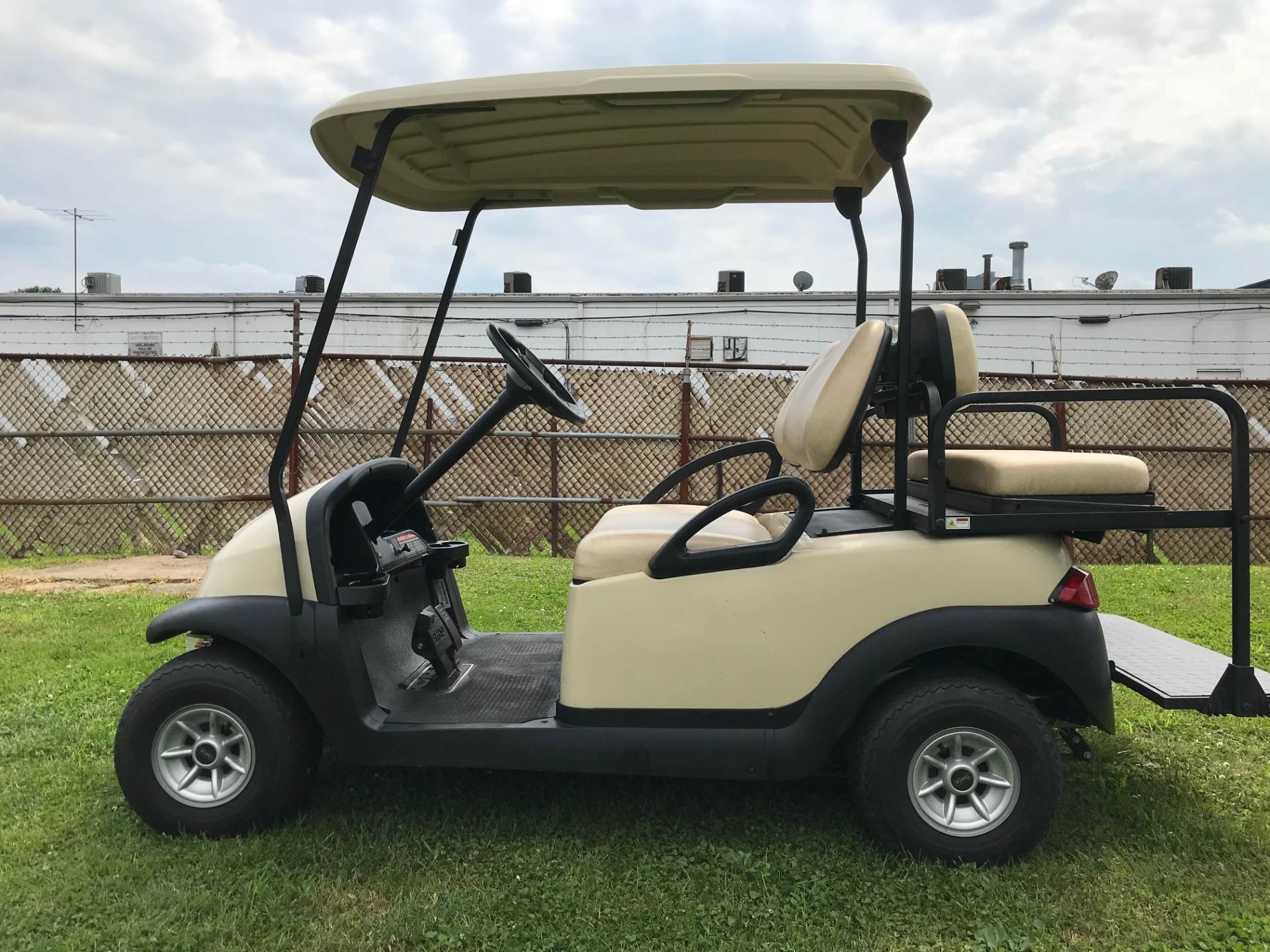 2013 Club Car Precedent i2 4-Passenger in Trevose, Pennsylvania - Photo 1