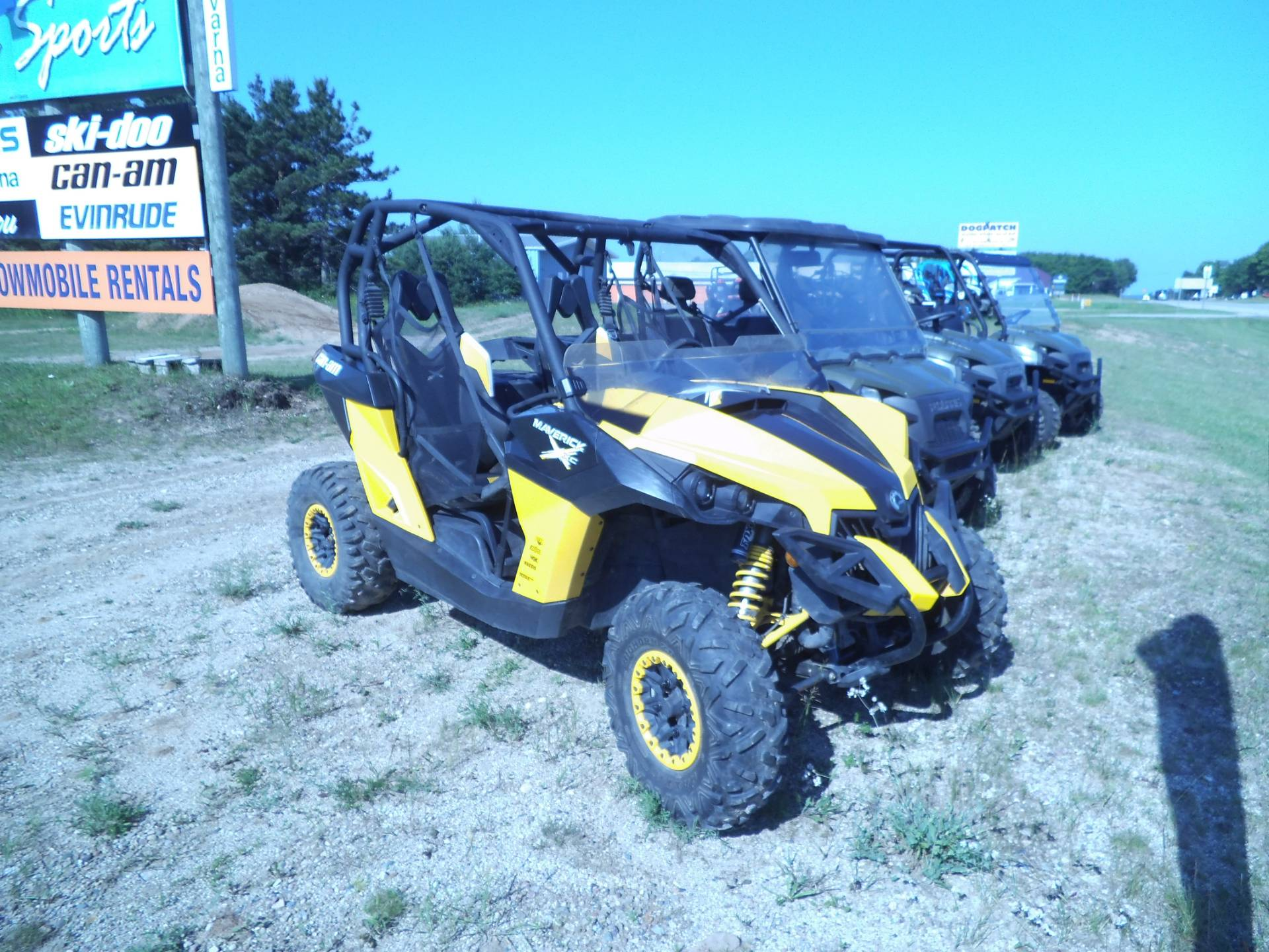 2015 Can-Am Maverick™ X® xc DPS™ 1000R in Munising, Michigan