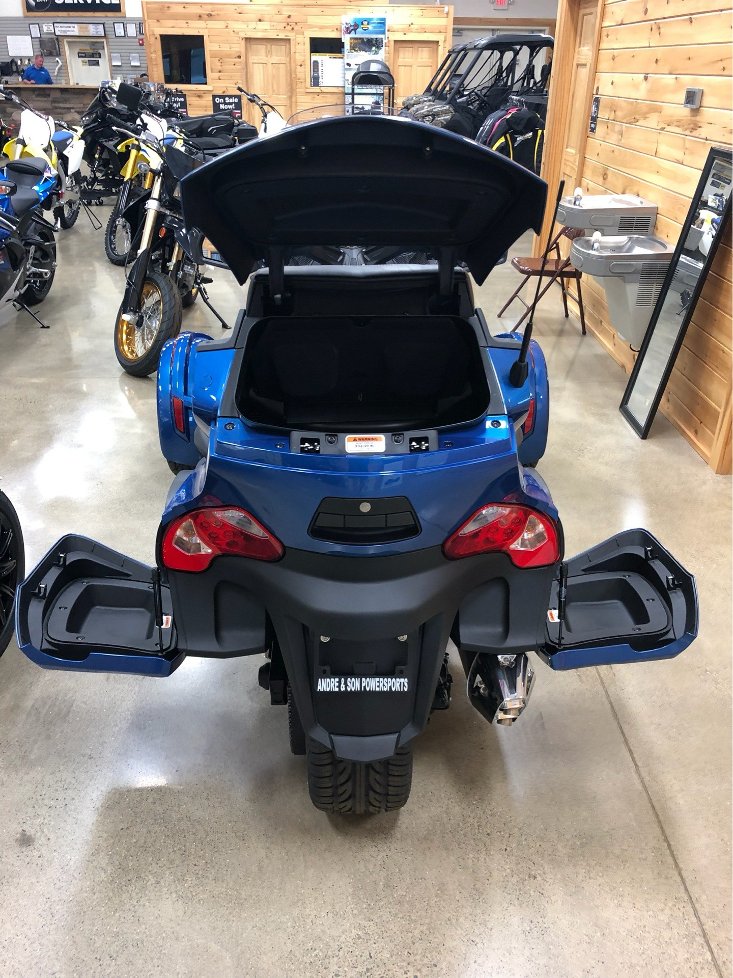 2019 Can-Am Spyder RT Limited in Montrose, Pennsylvania - Photo 8