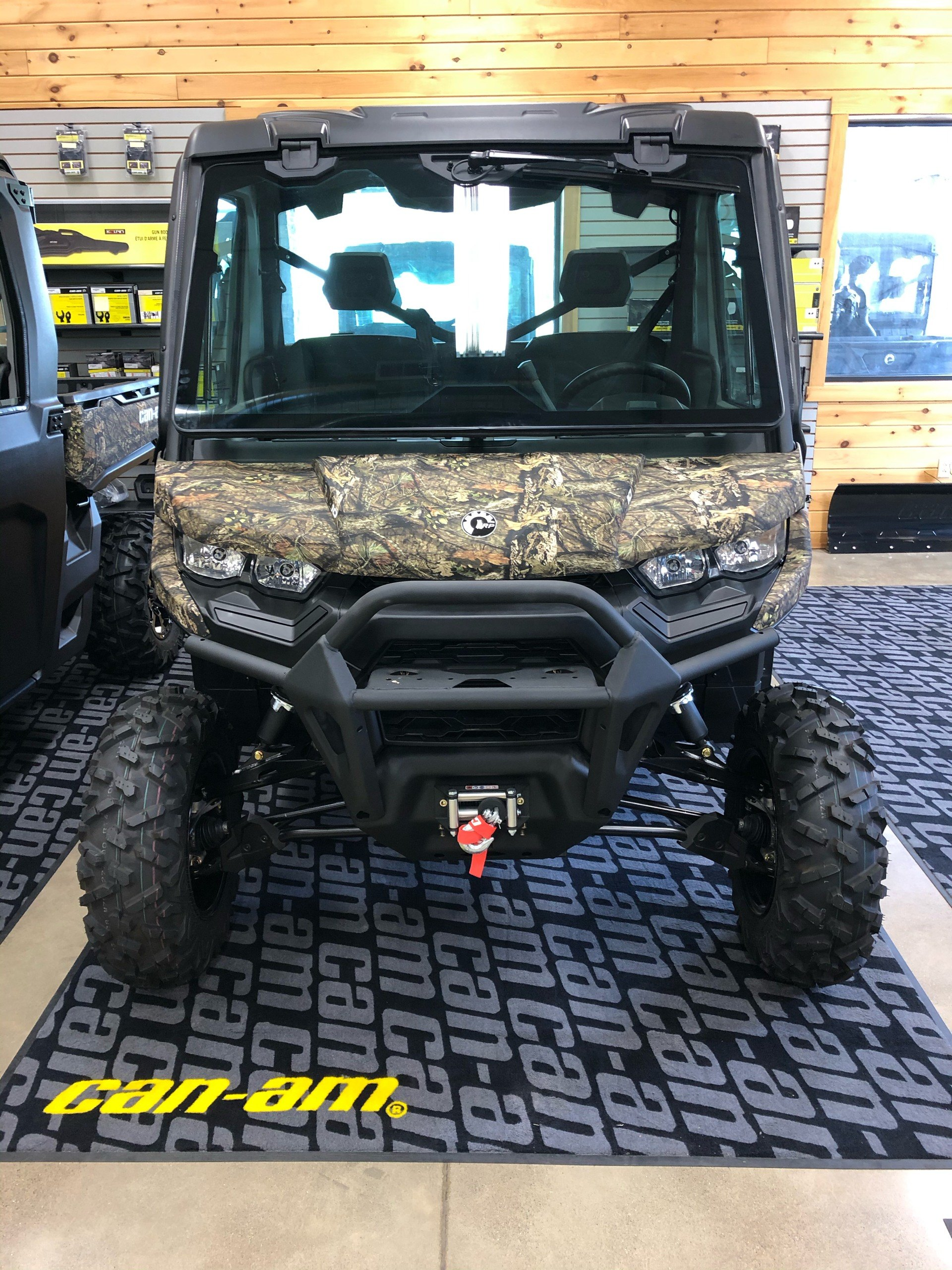 2020 Can-Am Defender XT CAB HD10 in Montrose, Pennsylvania - Photo 3