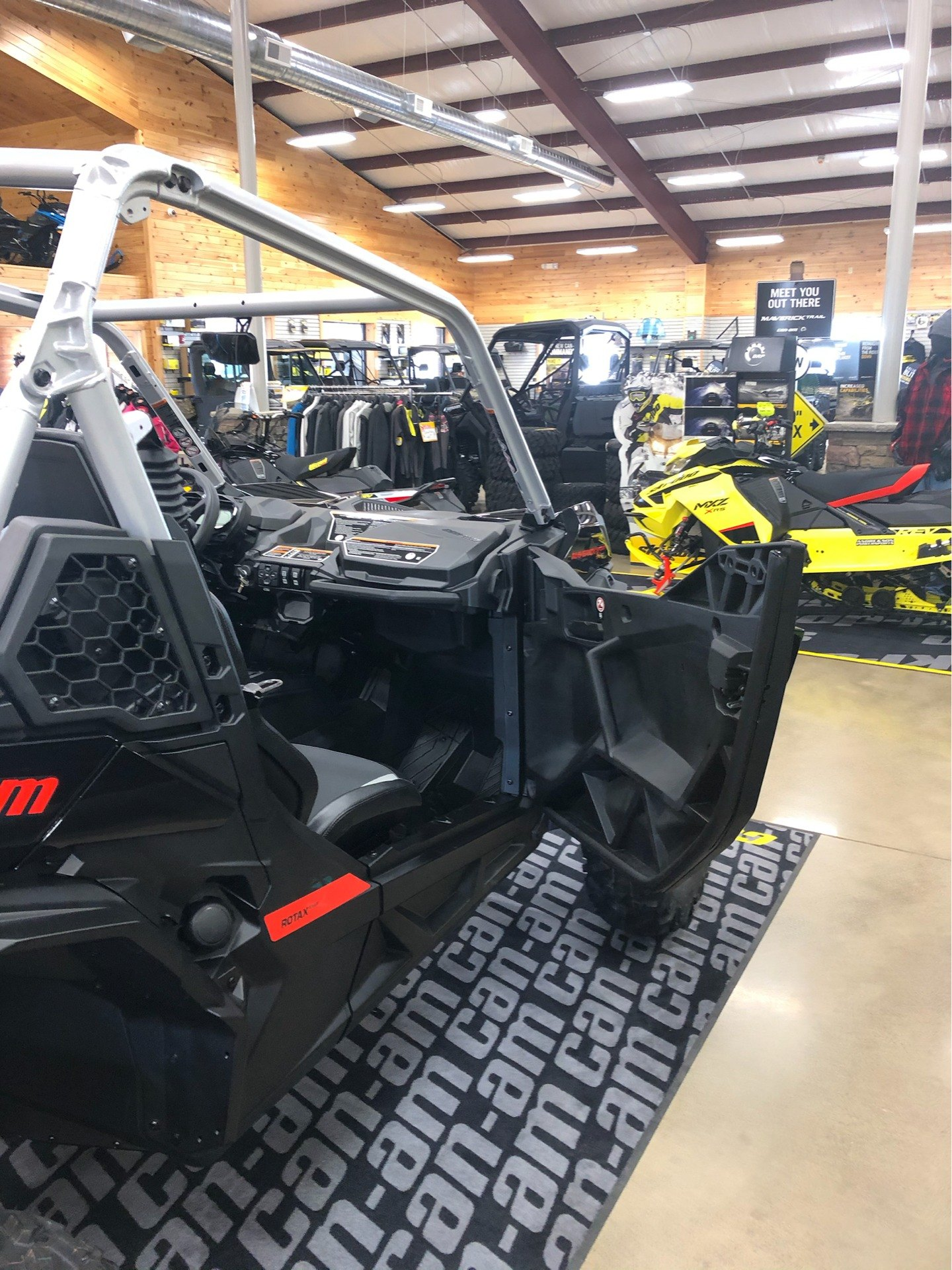 2020 Can-Am Maverick Sport X XC 1000R in Montrose, Pennsylvania - Photo 8