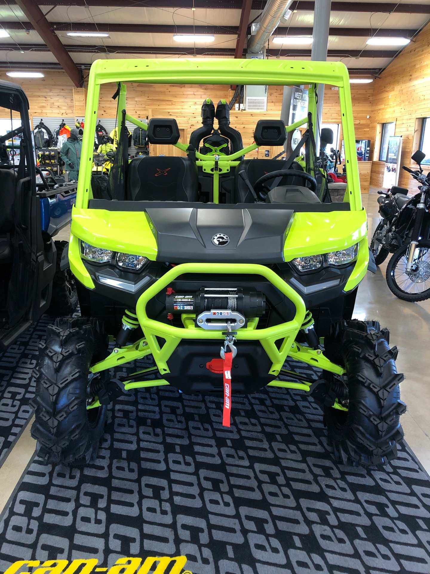 2021 Can-Am Defender X MR HD10 in Montrose, Pennsylvania - Photo 2