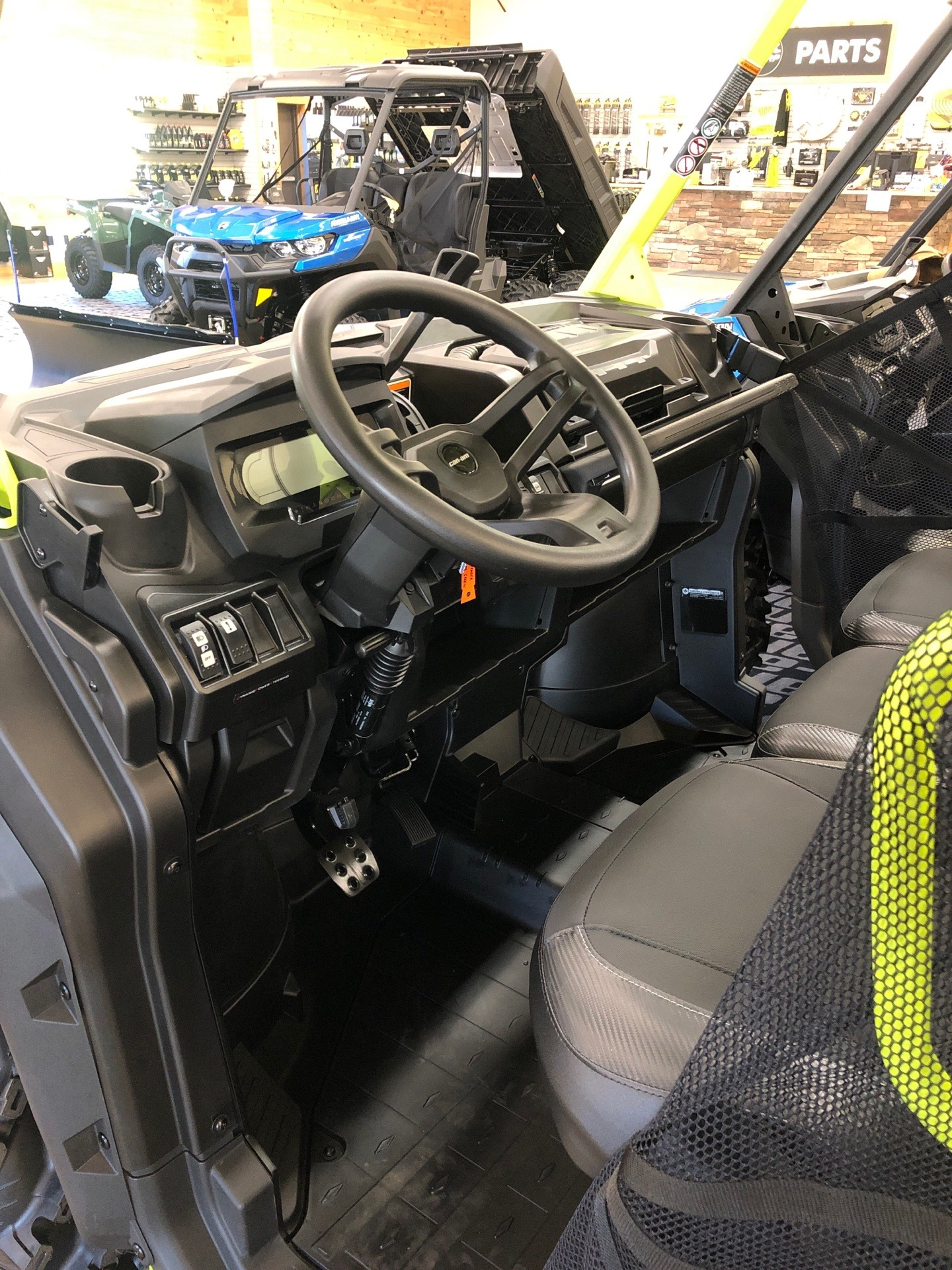 2021 Can-Am Defender X MR HD10 in Montrose, Pennsylvania - Photo 4