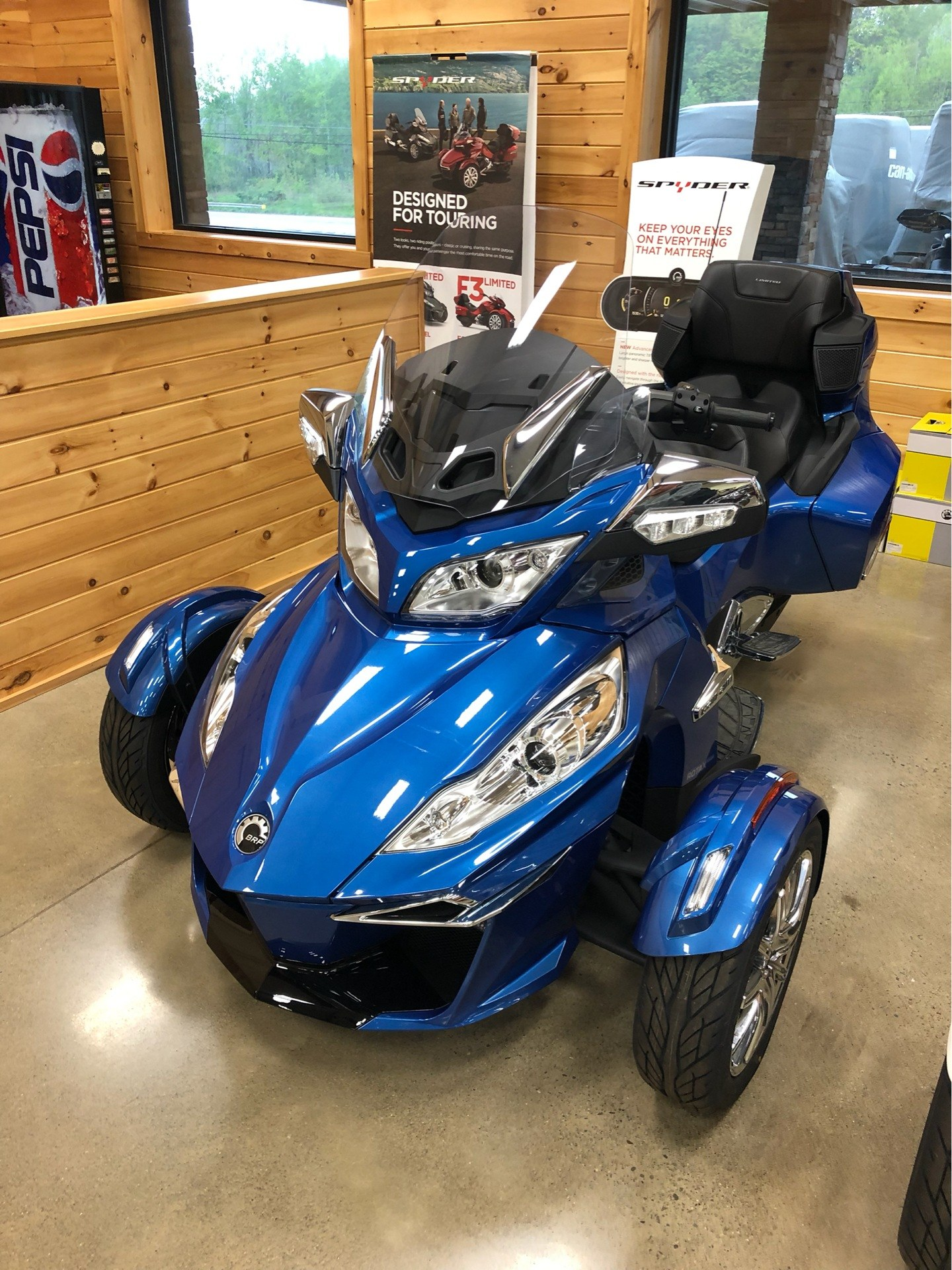 2018 Can-Am Spyder RT Limited in Montrose, Pennsylvania - Photo 4