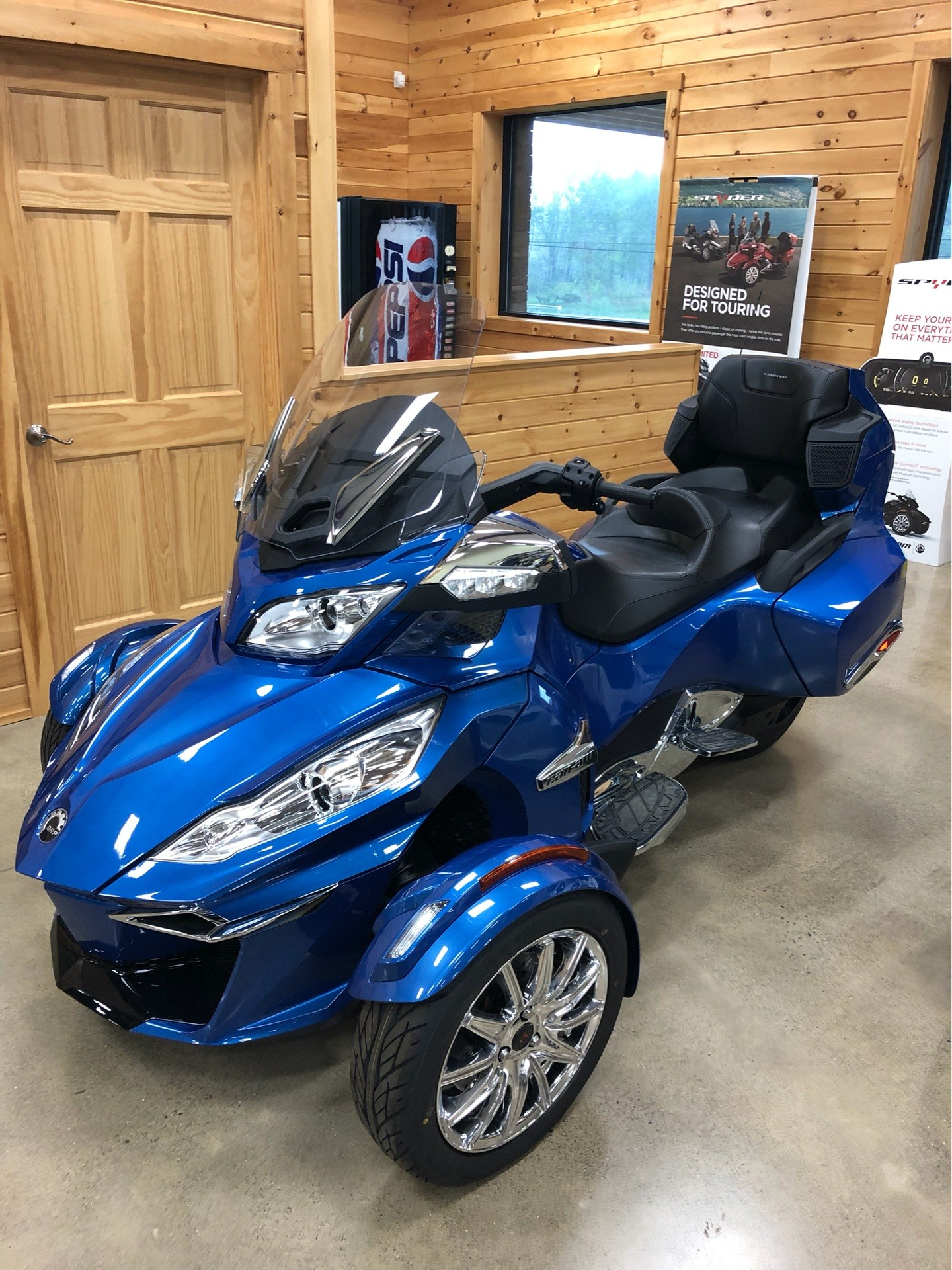 2018 Can-Am Spyder RT Limited in Montrose, Pennsylvania - Photo 5